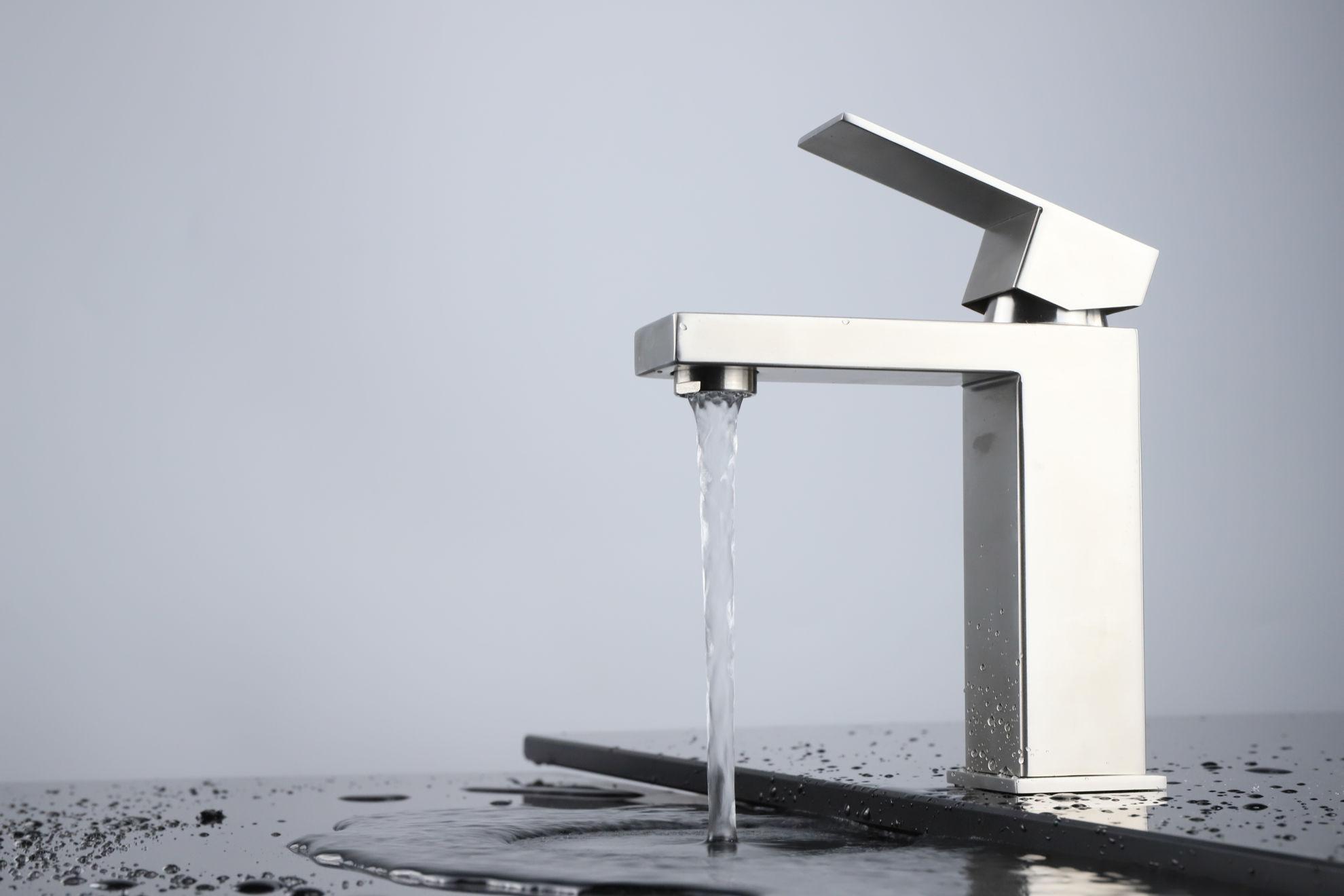 Picture of Single Hole Bathroom Faucet - Gun Metal